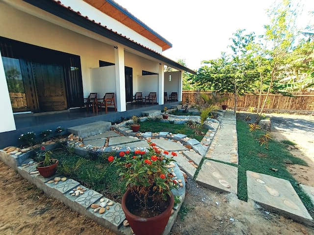 Barrel Homestay Areguling - Large Double Room