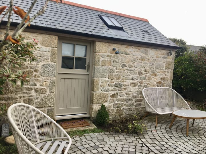 Quaint Cornish 'Little Barn'