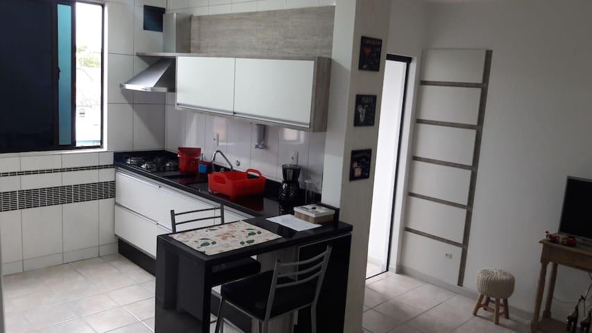 Apartamento Inteiro c/ garagem - em Florianópolis!