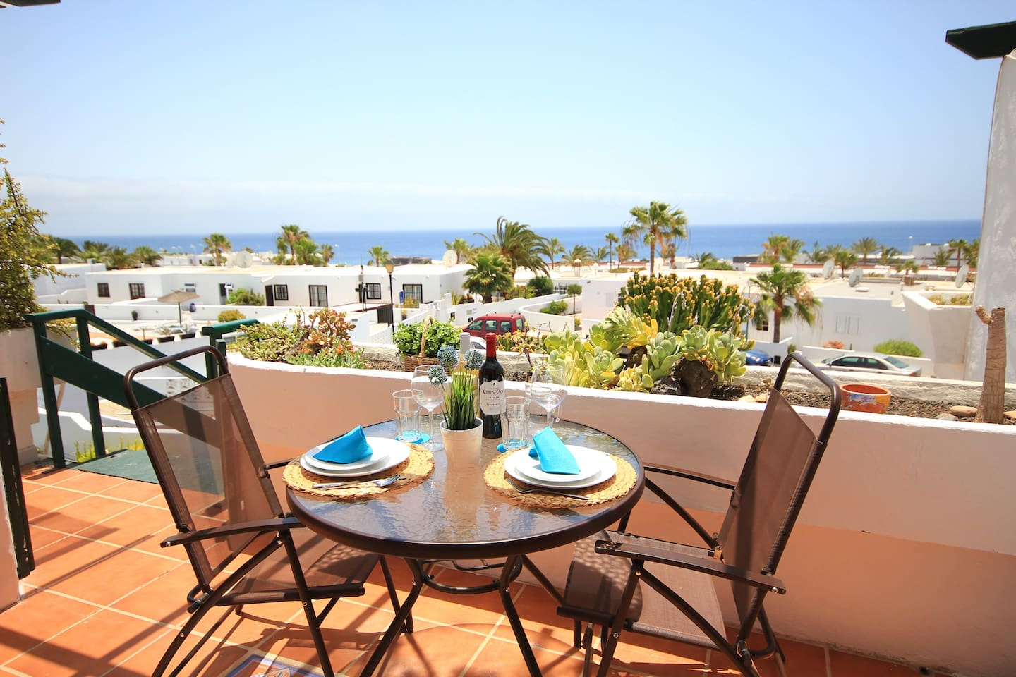 Spectacular sea views!! fully renovated apartment with pool just 5min walk to the beach