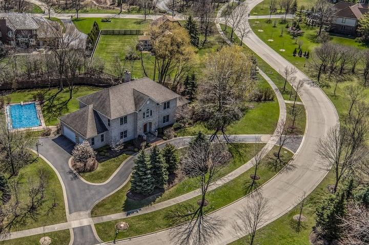 Luxury Home Near Chicago w/ Amenities