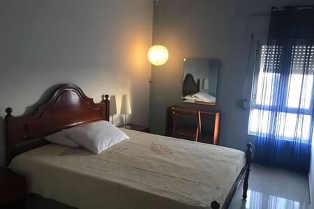 chambre pour 1 ou 2 p. achada S Antonio prox plage