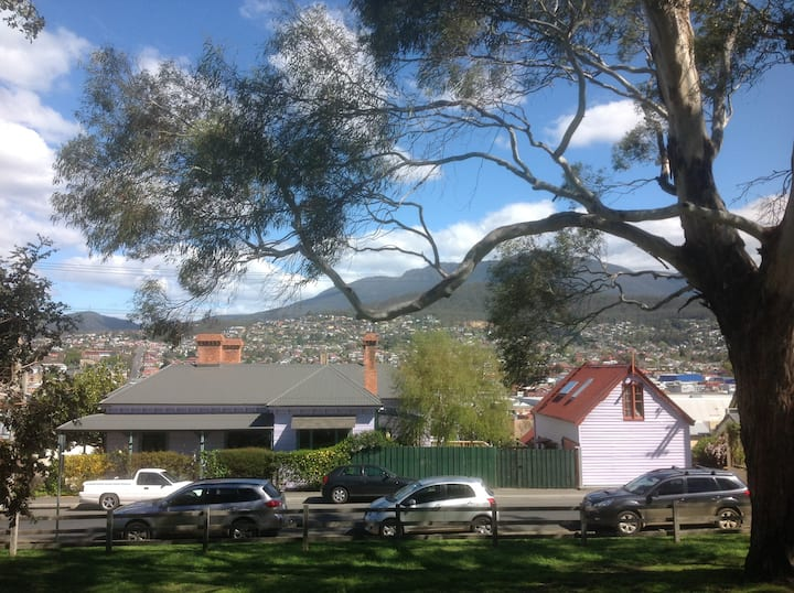 The Glebe Barn, Central Hobart