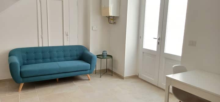Bilocale in centro. City center, 1 bedroom apartm.