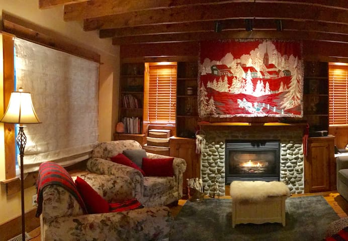 Vintage In-Law Suite/Private