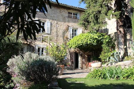 200 year old provencal cottage 8per - Grasse