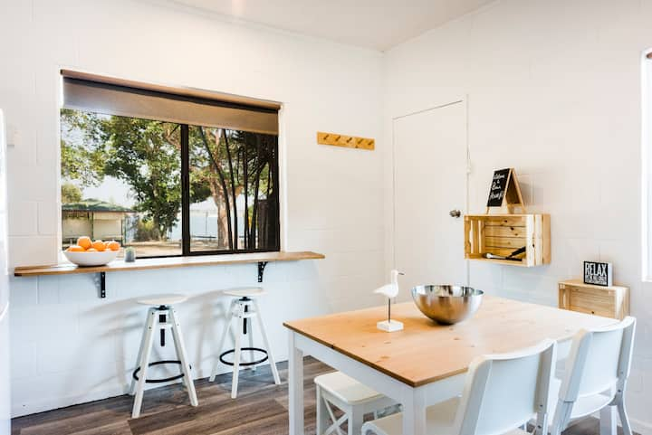 Iluka Beach House - Unit 1 - Fantastic Location