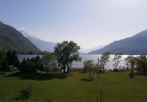 Appartamento fronte lago Novate Mezzola