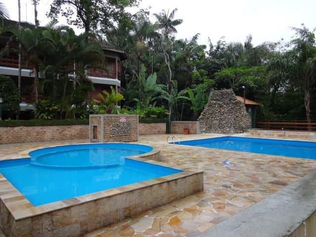 Apto próximo a piscina e no térreo - Ubatuba - Huoneisto