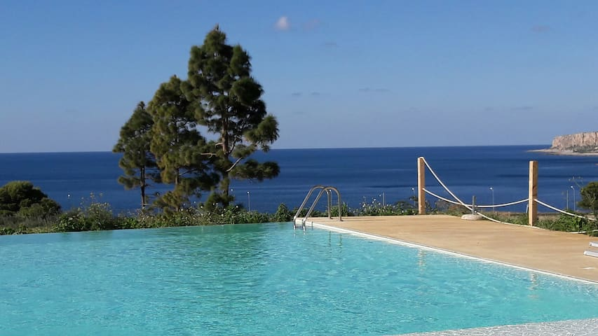 SPECIAL OFFER MAY & JUNE Residence Cala Azzurra - Macari - Pis