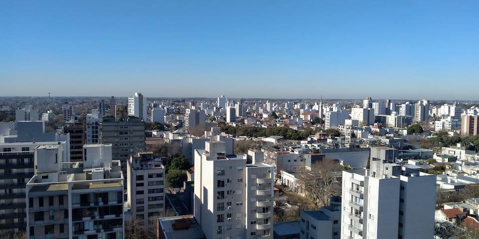 4 y 60 opc. COCHERA Hermosa vista de la ciudad!