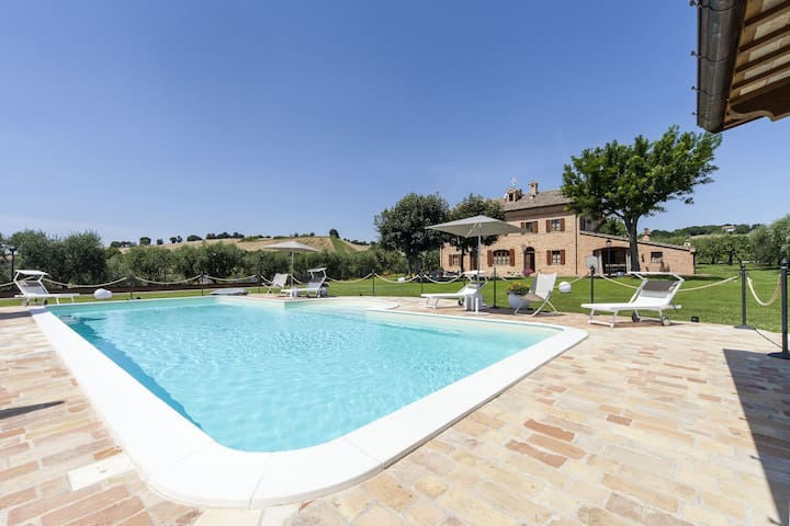Stylish apt in typical country Villa with pool - Trecastelli - Apartment