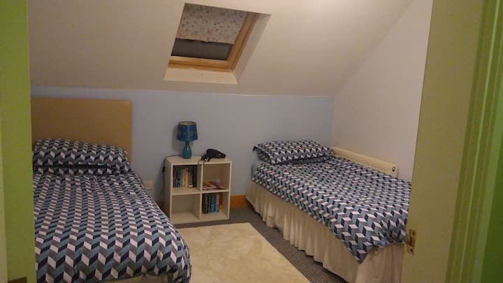 Twin room in secluded house in murrintown.