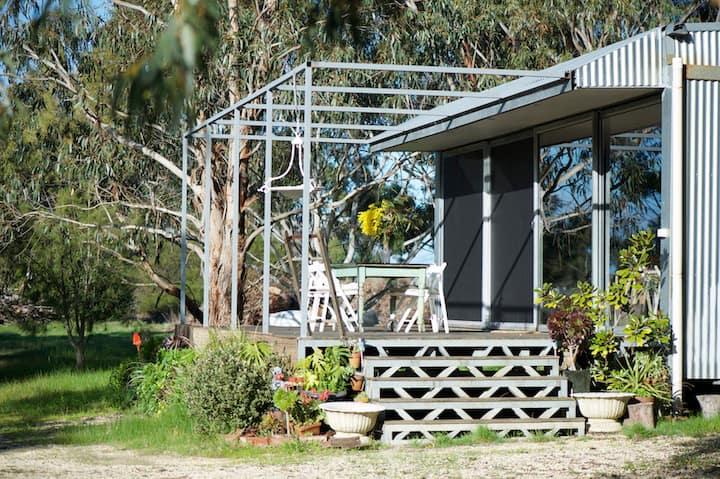 Carinya-eco winery cabin