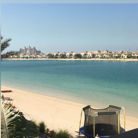 Palatial Villa with private beach on Palm Jumeirah - Dubaj - Dom