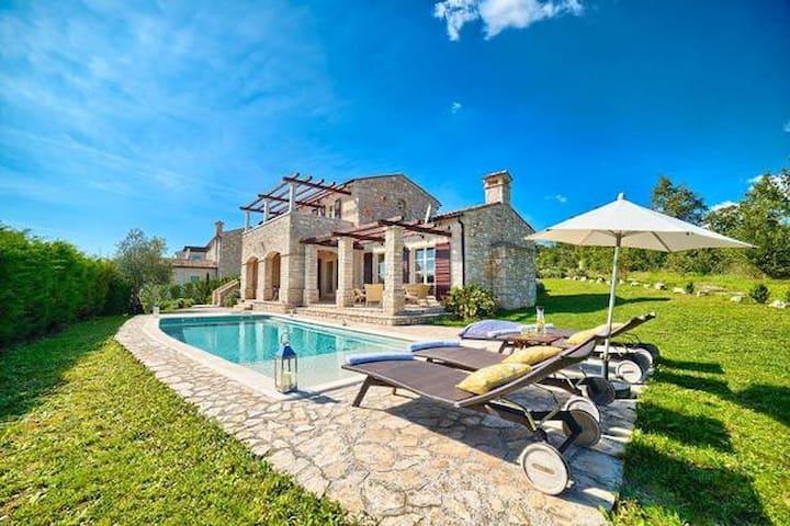 Villa Livia - Buzet - Talo
