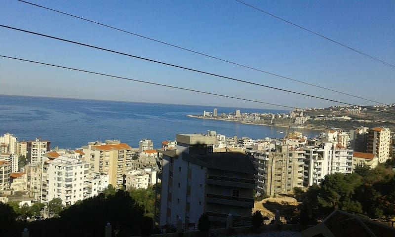 Quiet and relaxing atmosphere close to the city. - Jounieh - Apartemen
