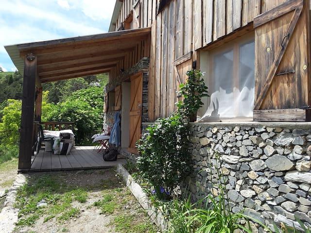 Maison indépendante en montagne - Auzet - House