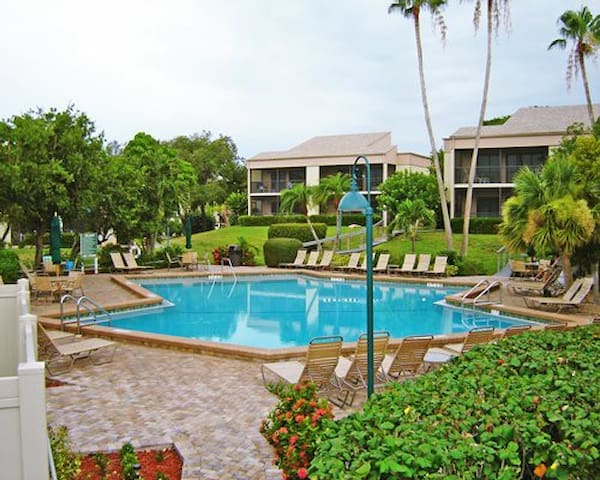 Sanibel Island Florida 2 Bdm Condo