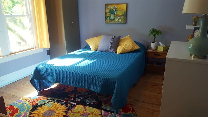 Summer weight comforter shown on full size mattress--bed has since been upsized to a queen.