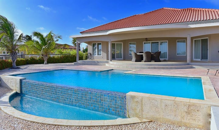SUNSET VIEW VILLA – private pool - 3bed-3bath
