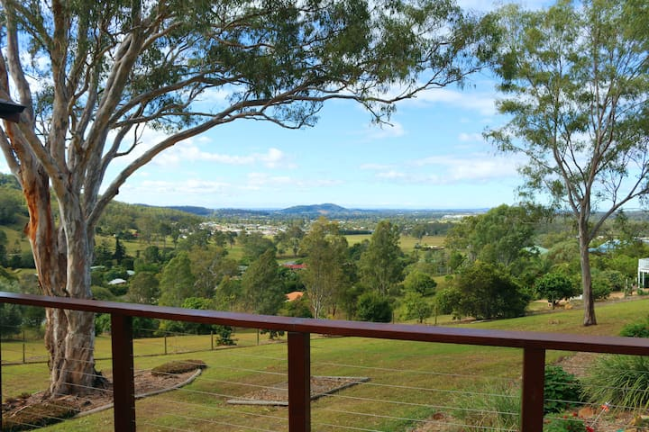 Valley View Retreat, handy to Gold Coast, Brisbane - Belivah - Casa