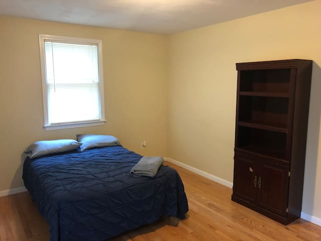 Room in Huge, Modern Condo (1)