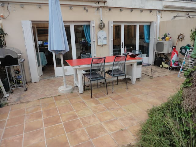 Cape of Antibes 2 P 44 m2 with garden and parking - Antibes - Appartement