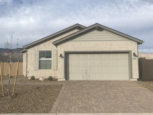 Brand New Home! Just Listed! Only $600 Rent For 1 Week! Jerome, Clarkdale!  Sieber Ct - S116