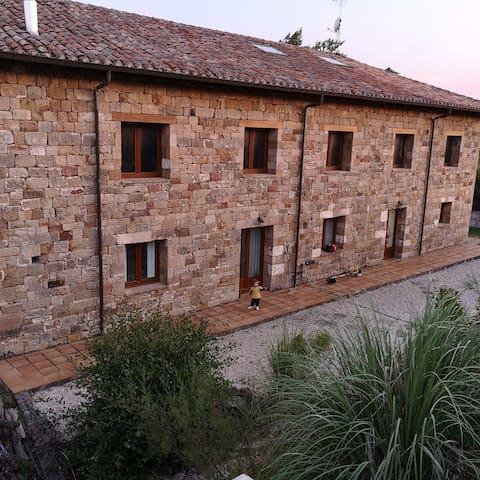 Casa moderna El Arrabal de Canduela