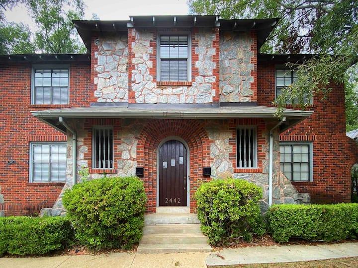 Historic Cloverdale Suite - 1