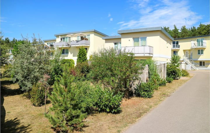 Awesome apartment in Graal Müritz with WiFi and 1 Bedrooms