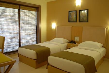 Valley room at Dona Paula - Lakás