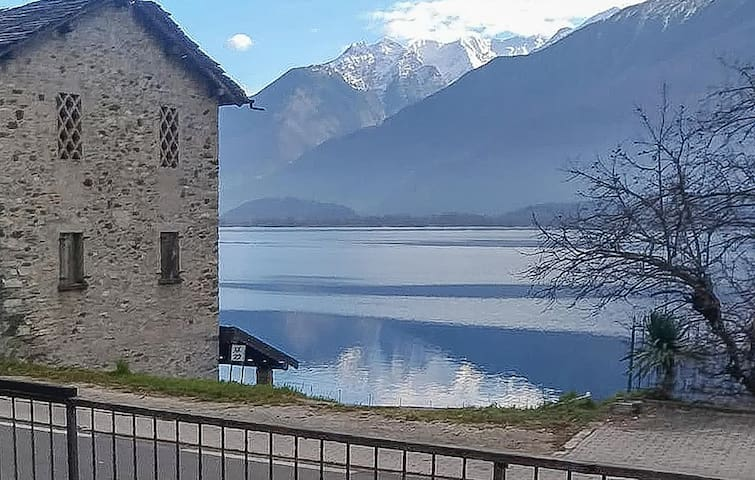 Holiday apartment with 2 bedrooms on 100m² in Gera Lario
