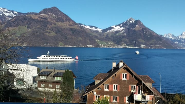 Traumhafter Seeblick - Naehe Luzern
