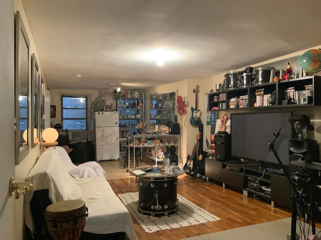 Large DT Bedroom! - TriBeCa/Financial  Manhattan!