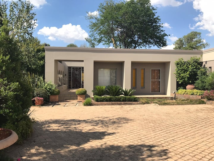 Executive Mansion with World class garden