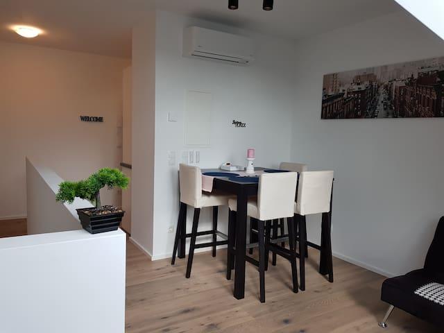 Tina´s Apartment