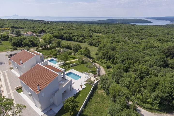 Peaceful Villa in Stanisovi with sea view
