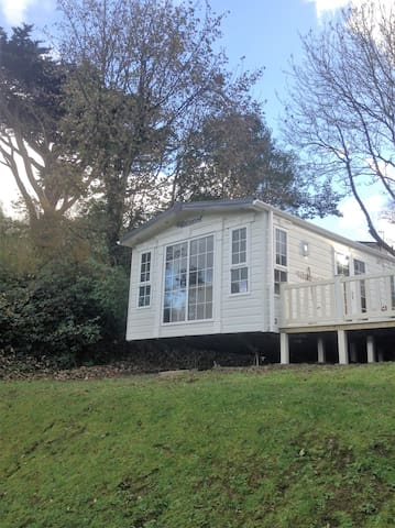 Beautiful Lodge Style Caravan with sea views