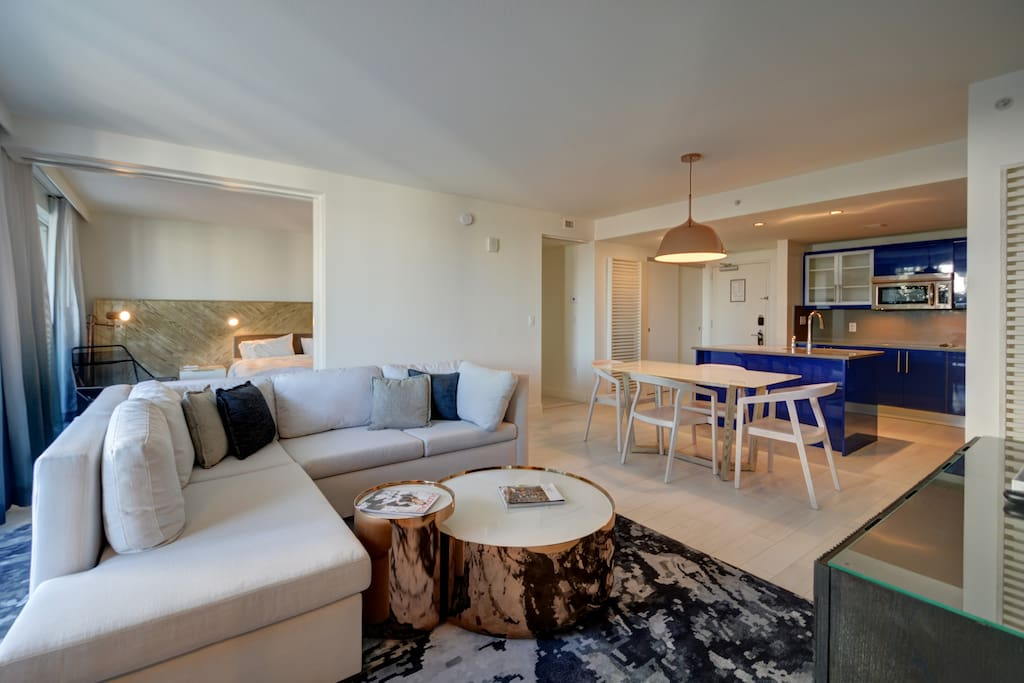 Modern Luxury Beach Hotel 2 Bedroom W Large Patio Apartments For Rent In Fort Lauderdale