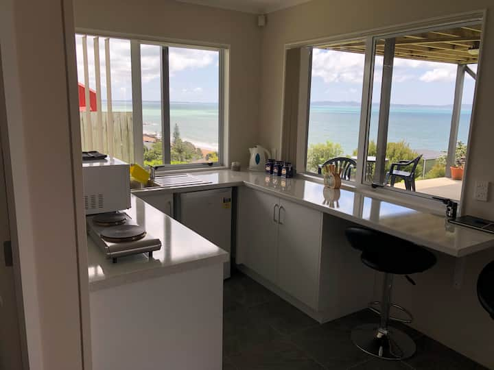 Cable Bay unit with a view