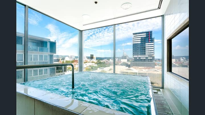 5 ⭐ Luxury Adelaide City Pad⚡Heated Pool⚡Spa⚡Sauna