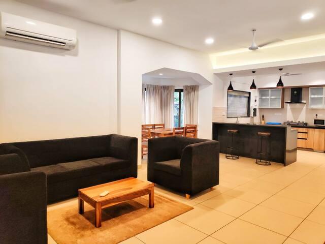 Luxury 4 bedroom villa near Miramar Beach