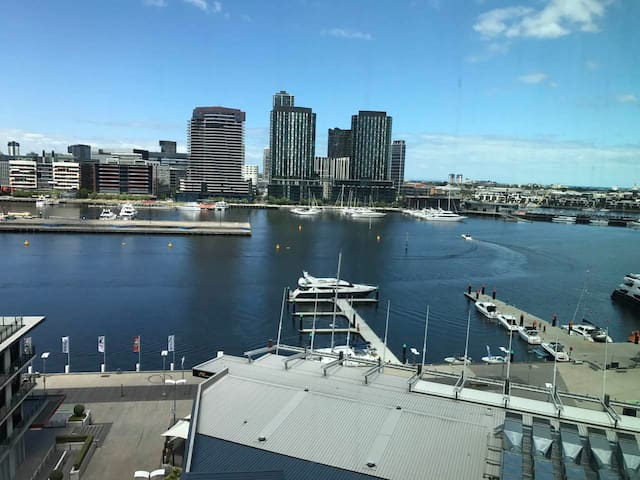 Brand new 2bedroom Apt Locate in Dockland harbour - Docklands - Apartment