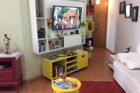 Apartamento pequeno, aconchegante, central - Paranaguá - Apartment