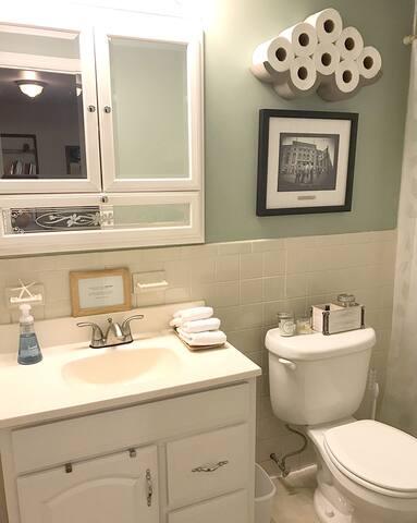 Bathroom | Shared