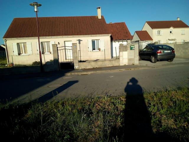 Maison entière au coeur de l'Aigle