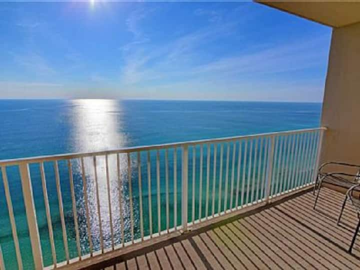 Beautiful ocean front condo Panama City Beach