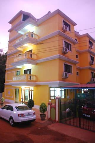 Super Luxurious rooms near Candolim Beach